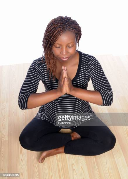 Incinta donna Meditare