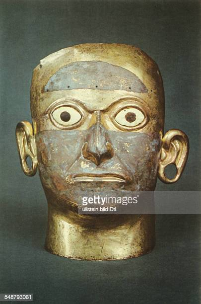 Prehispanic america high civilisations of coastal valleys Peru Moche cultre mask priest/ king goldcopper alloy with shell incrustration in eye...