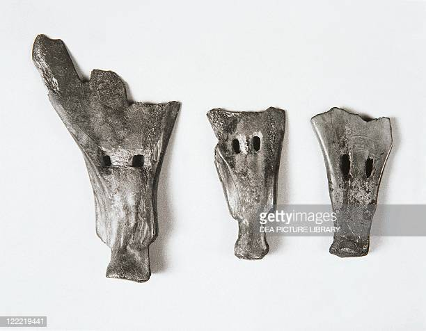 Prehistory China Neolithic Hemudu culture Plows and tools made of bone in the form of small shovel 5th millennium bC