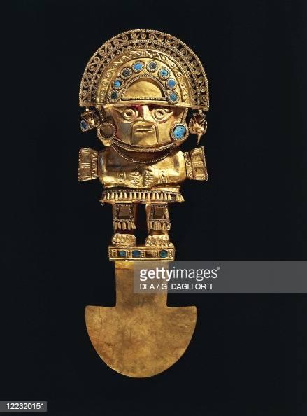 PreInca civilization Peru 14th century Goldsmith Art Chimu culture ceremonial knife with crescent shaped blade