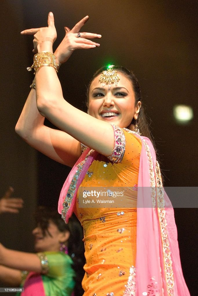 <a gi-track='captionPersonalityLinkClicked' href=/galleries/search?phrase=Preity+Zinta&family=editorial&specificpeople=630257 ng-click='$event.stopPropagation()'>Preity Zinta</a> during Bollywood Heat Live 2006 at the UIC Pavilion in Chicago - April 24, 2006 at UIC Pavilion in Chicago, Illinois, United States.