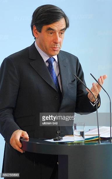 Premierminister Fraincois Fillon während einer Pressekonferenz anlässlich seines Besuches in Berlin