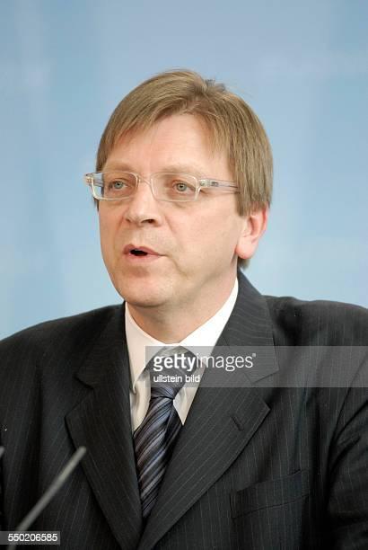 Premierminister Guy Verhofstadt während einer Pressekonferenz anlässlich seines Besuchs in Berlin