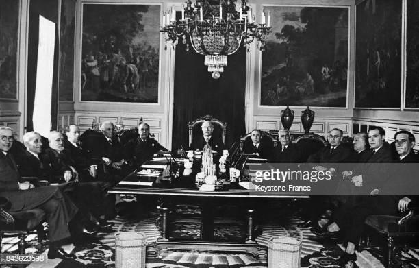 Première réunion du cabinet de Alejandro Lerroux à Madrid Espagne le 9 mai 1935