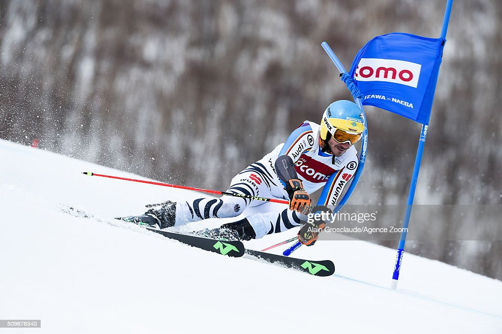 Prenom <a gi-track='captionPersonalityLinkClicked' href=/galleries/search?phrase=Felix+Neureuther&family=editorial&specificpeople=807800 ng-click='$event.stopPropagation()'>Felix Neureuther</a> of Germany competes during the Audi FIS Alpine Ski World Cup Men's Giant Slalom on February 13, 2016 in Naeba, Japan.