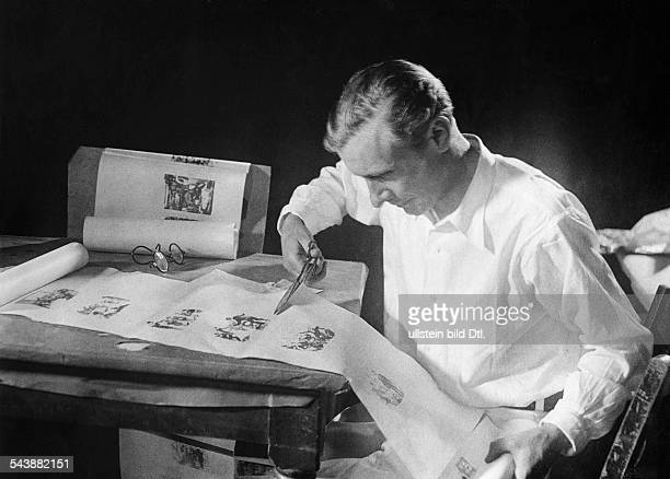 Preparations for filming Creation of a storyboard Review of film scenes on the script a scene is excised ca 1932 Photographer Weltrundschau Erich...