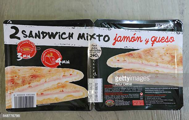 Prepared sandwiches ready to be serve in a pack