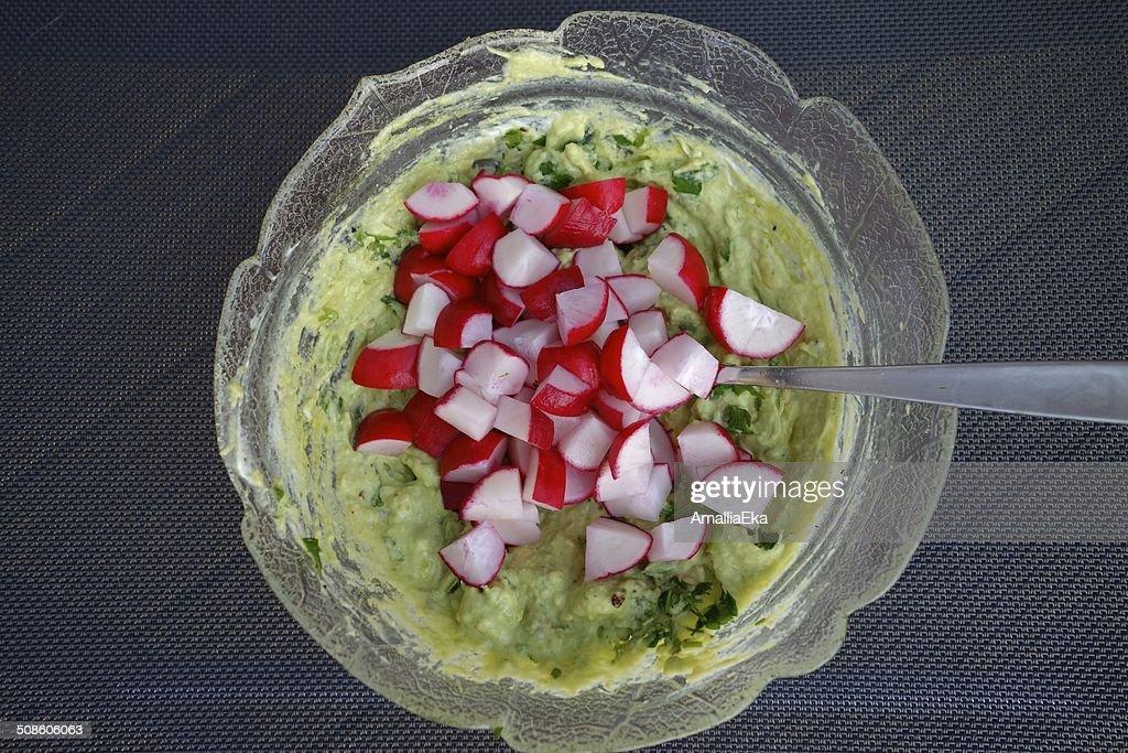 Preparar una ensalada : Foto de stock