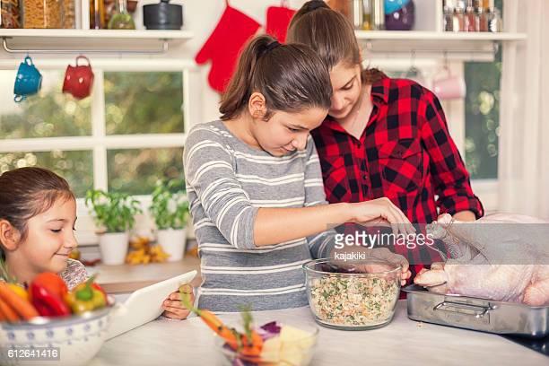 A preparar para o Dia de Ação de Graças jantar de Peru
