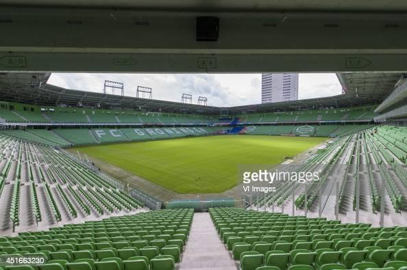 Presentatiegids Seizoen 2014 2015 rondom fotopersdag stadion euroborg during the team presentation of Fc Groningen on June 30 2014 at the Euroborg in...