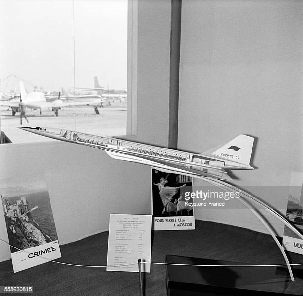 Salon de l 39 aeronautique et de l 39 espace photos et images de - Salon de aeronautique ...