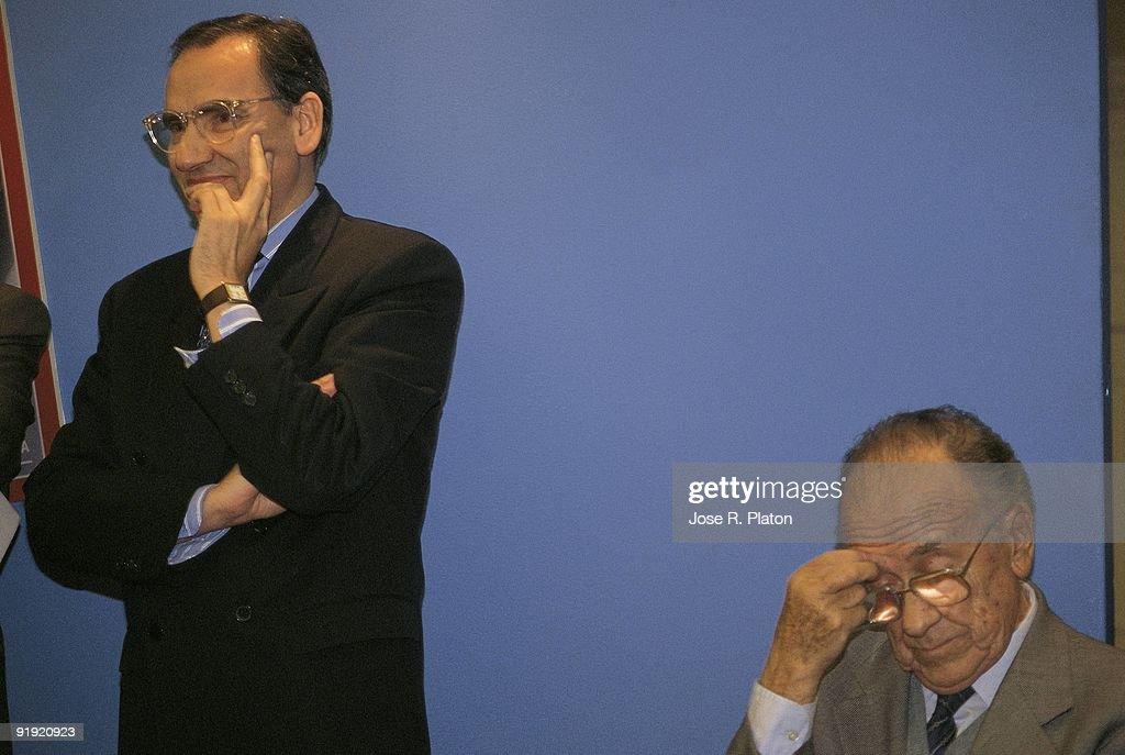 Presentation of the political magazine ´Temas´ Alfonso Guerra and Santiago Carrillo in the presentation act
