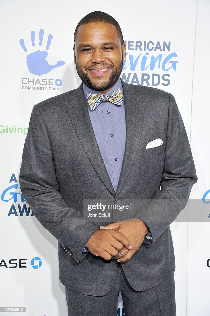 Presenter, actor <a gi-track='captionPersonalityLinkClicked' href=/galleries/search?phrase=Anthony+Anderson&family=editorial&specificpeople=202577 ng-click='$event.stopPropagation()'>Anthony Anderson</a> arrives at the American Giving Awards presented by Chase held at the Pasadena Civic Auditorium on December 7, 2012 in Pasadena, California.
