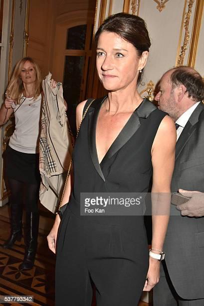 TV presenter Carole Gaessler attends 'Autistes Sans Frontieres' Gala Dinner Arrivals at Hotel Marcel Dassault on June 2 2016 in Paris France