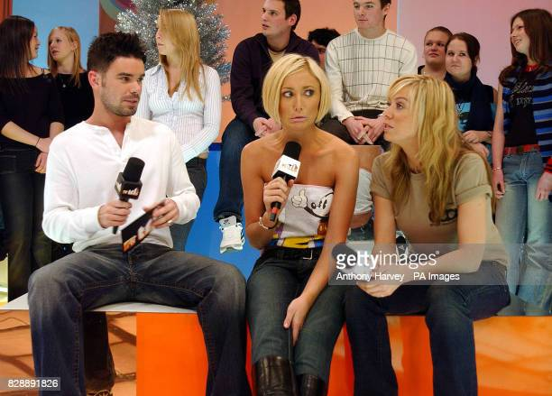 MTV presenter Dave Berry with Jenny Frost and Liz McClarnon from Atomic Kitten during their guest appearance on MTV's TRL UK at the MTV Studios in...