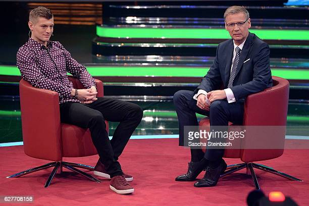 Presenter Guenther Jauch talks to Toni Kroos during the television show 2016 Menschen Bilder Emotionen RTL Jahresrueckblick on December 4 2016 in...