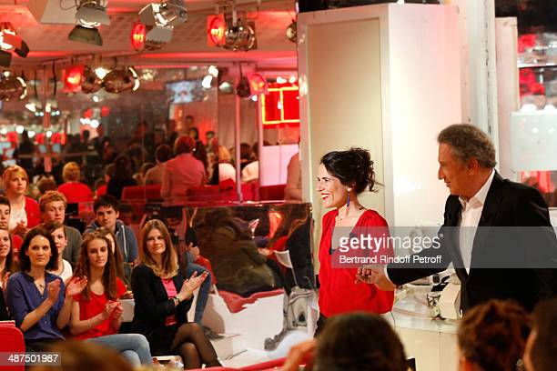 Presenter of the show Michel Drucker and Mazarine Pingeot who presents her book 'Les invasions quotidiennes' at the 'Vivement Dimanche' French TV...