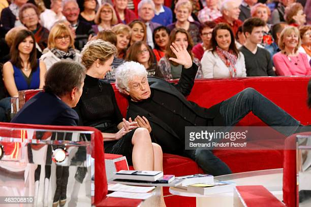 Presenter of the show Michel Drucker Main guest of the show Actress Alexandra Lamy and Director JeanJacques Annaud who presents his movie 'Le dernier...