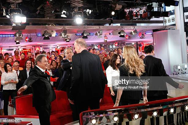 Presenter of the show Michel Drucker Main guest of the show Humorist Michel Leeb Writer Jean Teule Actress Cristiana Reali Adriana Karembeu and...