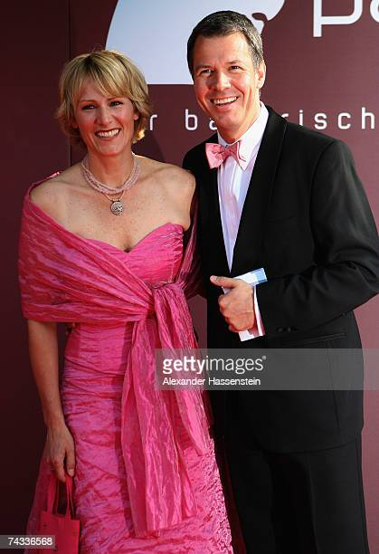 TV presenter Peter Kloeppel arrives with his wife Carol Kloeppel for the 'Blaue Panther' Bavarian Television Award 2007 Ceremony at the Prinzregenten...