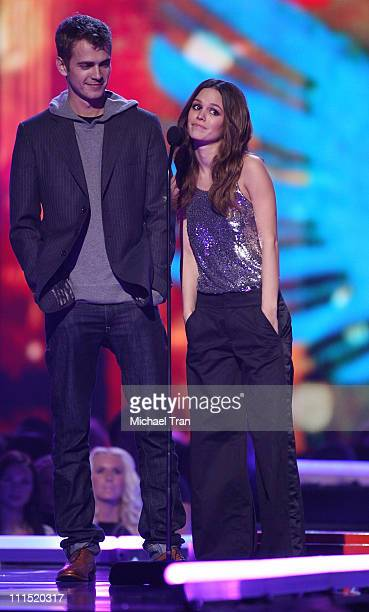 Presenters Hayden Christensen and Rachel Bilson speak during the Spike TV's 2007 'Video Game Awards' at the Mandalay Bay Events Center on December 7...