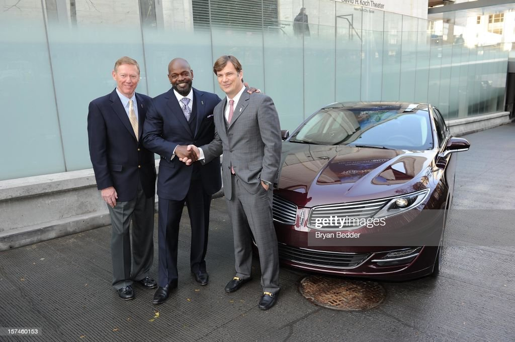 President and Chief Executive Officer of the Ford Motor Company Alan Mulally Emmitt Smith and GVP Marketing Sales at Ford Motor Company Jim Farley...