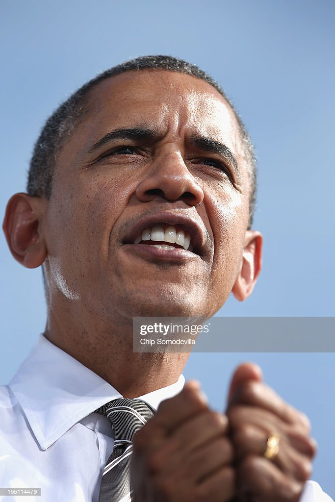 U.S. President <a gi-track='captionPersonalityLinkClicked' href=/galleries/search?phrase=Barack+Obama&family=editorial&specificpeople=203260 ng-click='$event.stopPropagation()'>Barack Obama</a> addresses a campaign rally on the campus of the College of Southern Nevada November 1, 2012 in North Las Vegas, Nevada. With five days remaining in the presidential campaign, Obama travels today to Wisconsin, Colorado and Nevada after spending the last four days leading the federal government's response to Superstorm Sandy.