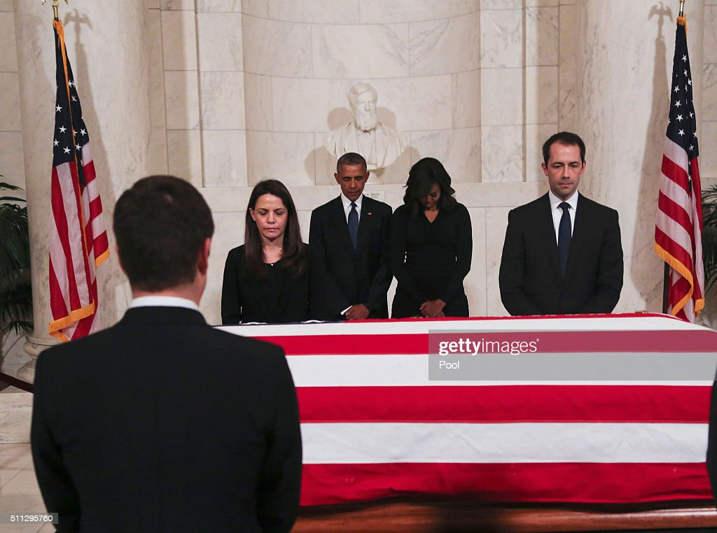 U.S. President Barack Obama and first lady Michelle Obama pay their respects to U.S. Supreme Court Justice Anthony Scalia, in front of his casket, in the Great Hall of the Supreme Court on February 19, 2016 in Washington, DC. Scalia died February 13 during a hunting trip in West Texas.
