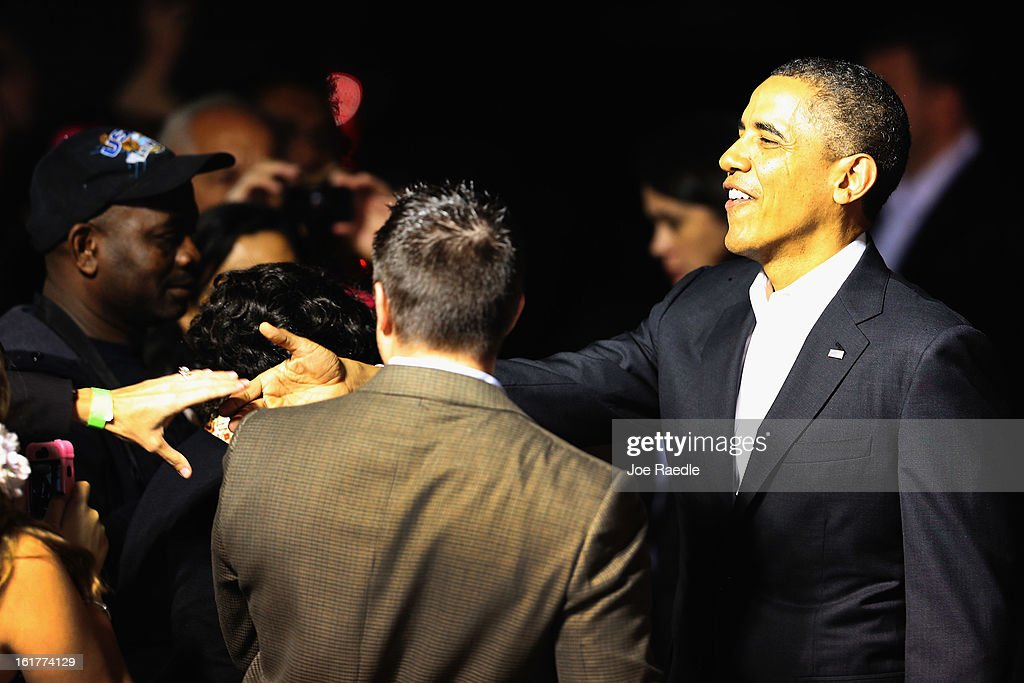 President <a gi-track='captionPersonalityLinkClicked' href=/galleries/search?phrase=Barack+Obama&family=editorial&specificpeople=203260 ng-click='$event.stopPropagation()'>Barack Obama</a> arrives at Palm Beach International Airport on February 15, 2013 in West Palm Beach, Florida. President Obama plans to spend the Presidents Day holiday weekend in the area.