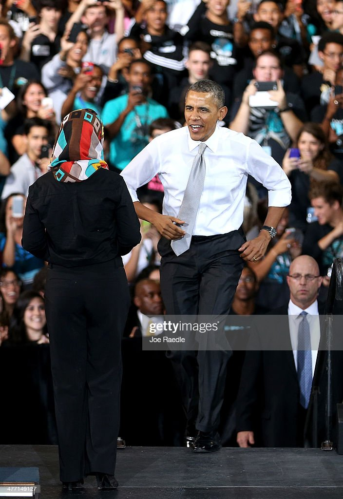 U.S. President <a gi-track='captionPersonalityLinkClicked' href=/galleries/search?phrase=Barack+Obama&family=editorial&specificpeople=203260 ng-click='$event.stopPropagation()'>Barack Obama</a> arrives on stage during an event at Coral Reef Senior High on March 7, 2014 in Miami, Florida. Obama announced a program that will allow students an easier way to complete the Free Application for Federal Student Aid.