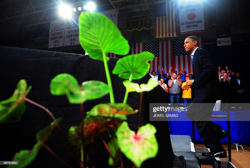 US President <a gi-track='captionPersonalityLinkClicked' href=/galleries/search?phrase=Barack+Obama&family=editorial&specificpeople=203260 ng-click='$event.stopPropagation()'>Barack Obama</a> arrives to speak during a town hall meeting at Indian Hills Community College in Ottumwa, Iowa, on April 27, 2010. AFP PHOTO/Jewel Samad