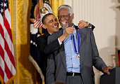 US President Barack Obama awards the Medal of Freedom to basketball great Bill Russell during a ceremony to present the awards at the White House in...