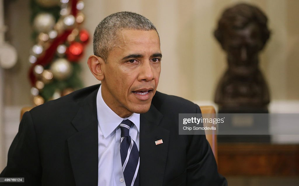 S President Barack Obama delivers a statement to the news media after receiving a briefing from his national security team in the Oval Office at the...