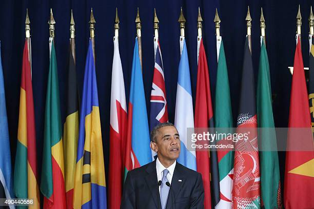 US President Barack Obama delivers a toast during a luncheon hosted by United Nations SecretaryGeneral Ban Kimoon during the 70th annual UN General...