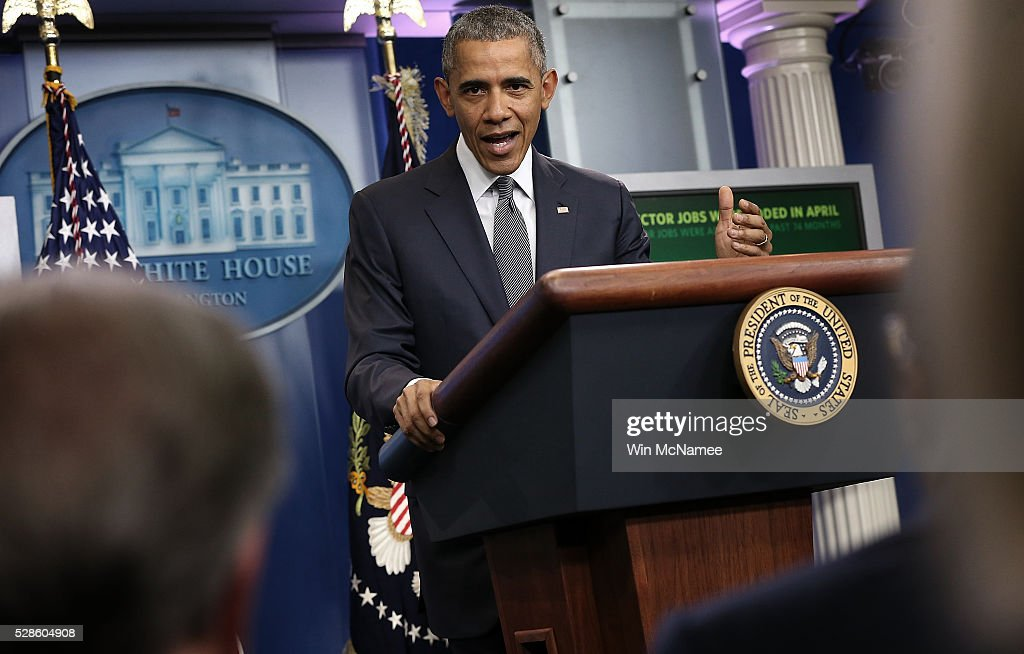 U.S. President <a gi-track='captionPersonalityLinkClicked' href=/galleries/search?phrase=Barack+Obama&family=editorial&specificpeople=203260 ng-click='$event.stopPropagation()'>Barack Obama</a> delivers remarks on the U.S economy from the briefing room of the White House May 6, 2016 in Washington, DC. The U.S. economy added 160,000 new jobs in April and unemployment remained at 5%.