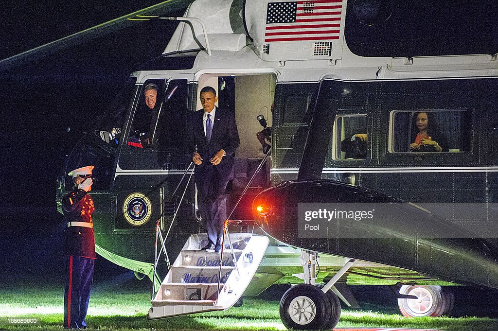 U.S. President <a gi-track='captionPersonalityLinkClicked' href=/galleries/search?phrase=Barack+Obama&family=editorial&specificpeople=203260 ng-click='$event.stopPropagation()'>Barack Obama</a> disembarks from Marine One on the South Lawn of the White House on May 13, 2013 in Washington, DC. The President was returning from New York City where he attended two DNC events at private residences and a joint DCCC/DSCC event at the Waldorf Astoria Hotel.
