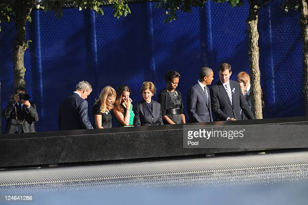 S President Barack Obama first lady Michelle Obama former President George W Bush and former first lady Laura Bush with their daughters Jenna Bush...