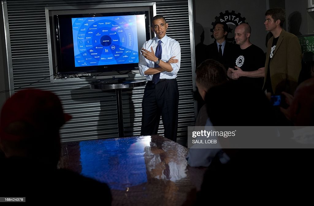 US President Barack Obama gives talks with tech entrepreneurs and investors during a visit to Capital Factory, a tech start-up incubator and co-working space in Austin, Texas, May 9, 2013. AFP PHOTO / Saul LOEB