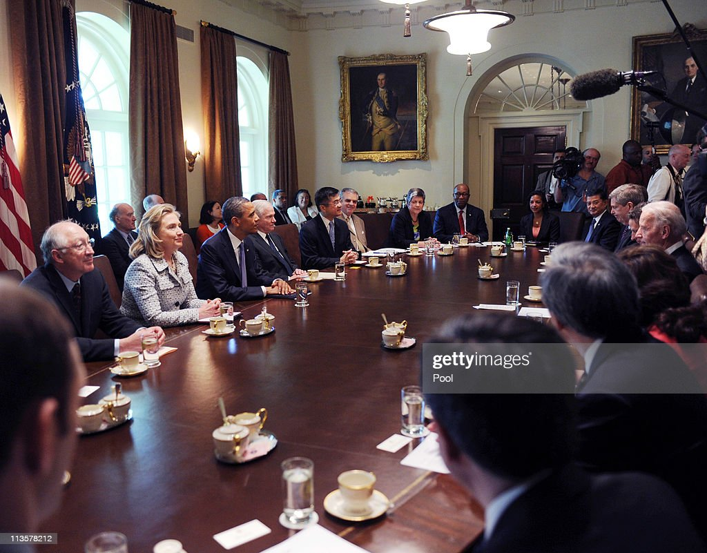 Obama And Cabinet Obama Holds Cabinet Meeting Photos And Images Getty Images
