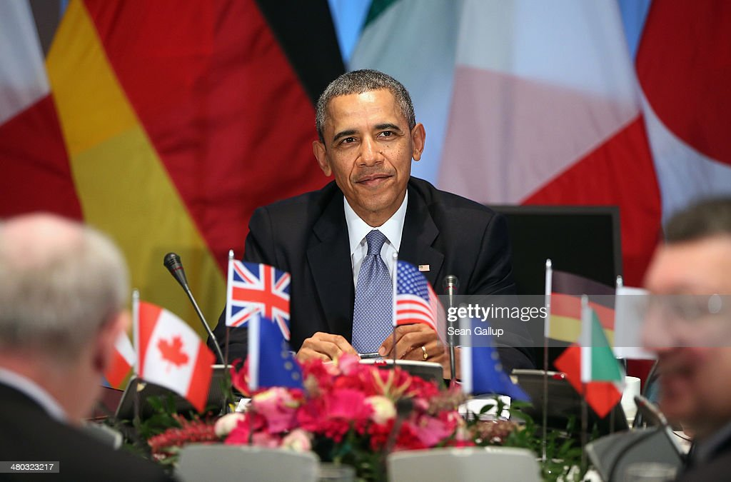 U.S. President <a gi-track='captionPersonalityLinkClicked' href=/galleries/search?phrase=Barack+Obama&family=editorial&specificpeople=203260 ng-click='$event.stopPropagation()'>Barack Obama</a> hosts a meeting of G7 leaders, as well as European Union Commission President Jose Manuel Barroso (R) and European Union Council President <a gi-track='captionPersonalityLinkClicked' href=/galleries/search?phrase=Herman+Van+Rompuy&family=editorial&specificpeople=4476281 ng-click='$event.stopPropagation()'>Herman Van Rompuy</a> (L), on March 24, 2014 in The Hague, Netherlands. The G7 leaders are meeting to dicuss the current crisis in Ukraine during the 2014 Nuclear Secuirty Summit in The Hague.