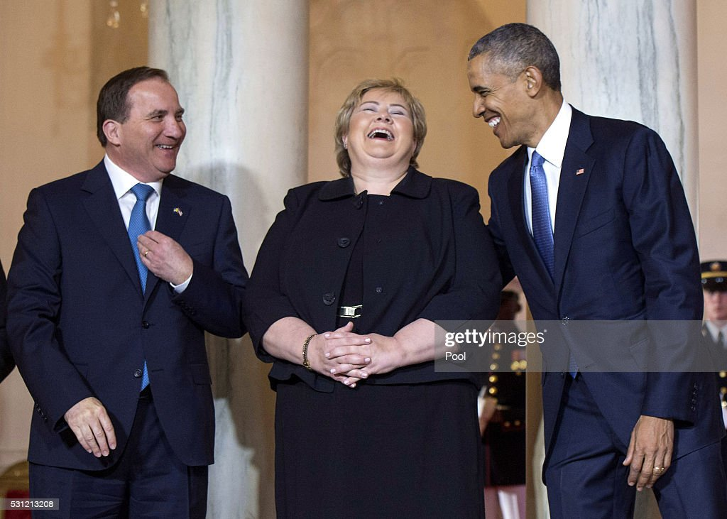 President <a gi-track='captionPersonalityLinkClicked' href=/galleries/search?phrase=Barack+Obama&family=editorial&specificpeople=203260 ng-click='$event.stopPropagation()'>Barack Obama</a> (R) jokes with Norway Prime Minister <a gi-track='captionPersonalityLinkClicked' href=/galleries/search?phrase=Erna+Solberg&family=editorial&specificpeople=6165203 ng-click='$event.stopPropagation()'>Erna Solberg</a> (C) and Sweden Prime Minister Stefan Lofven during an arrival ceremony in the Grand Foyer of the White House on May 13, 2016 in Washington, DC. Leaders of the northern European nations of Finland, Norway, Sweden, Iceland and Denmark are the invited guests to a State dinner this evening.
