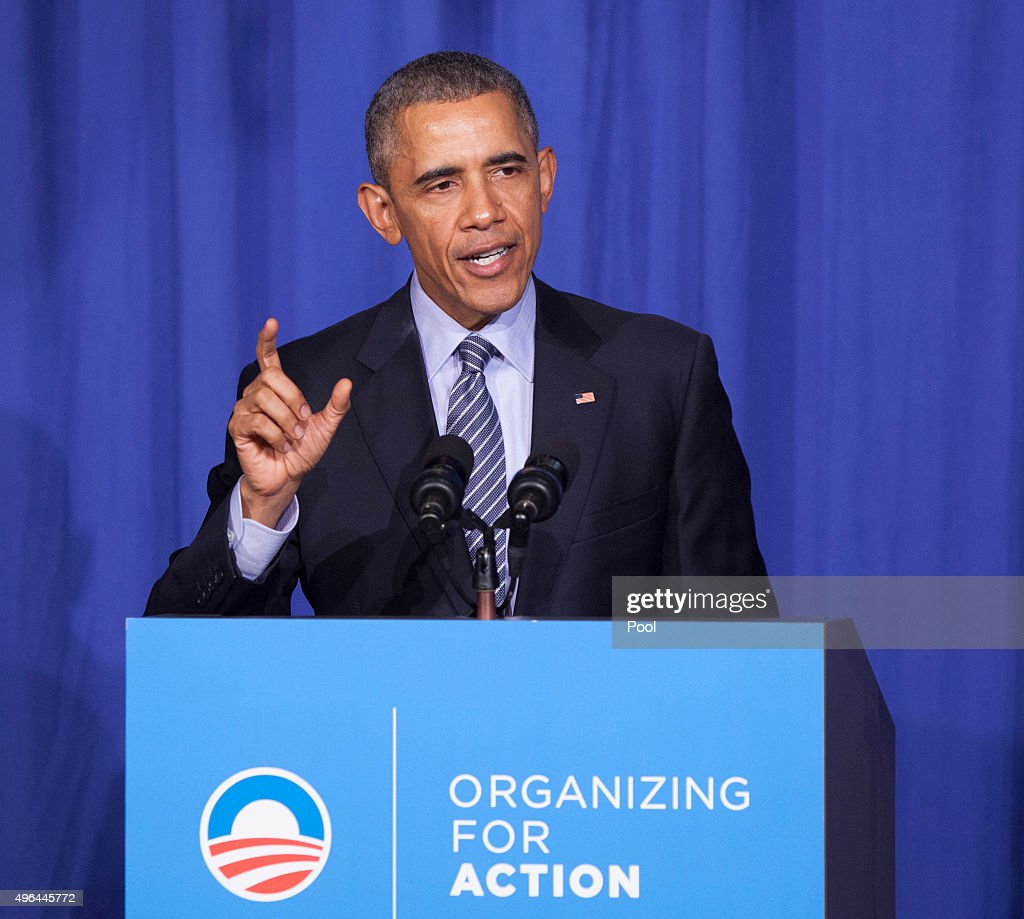 U.S. President Barack Obama makes remarks at an Organizing for Action dinner on November 9, 2015 in Washington, DC. Organizing for Action is a community organizing project that supports the policies of President Obama.