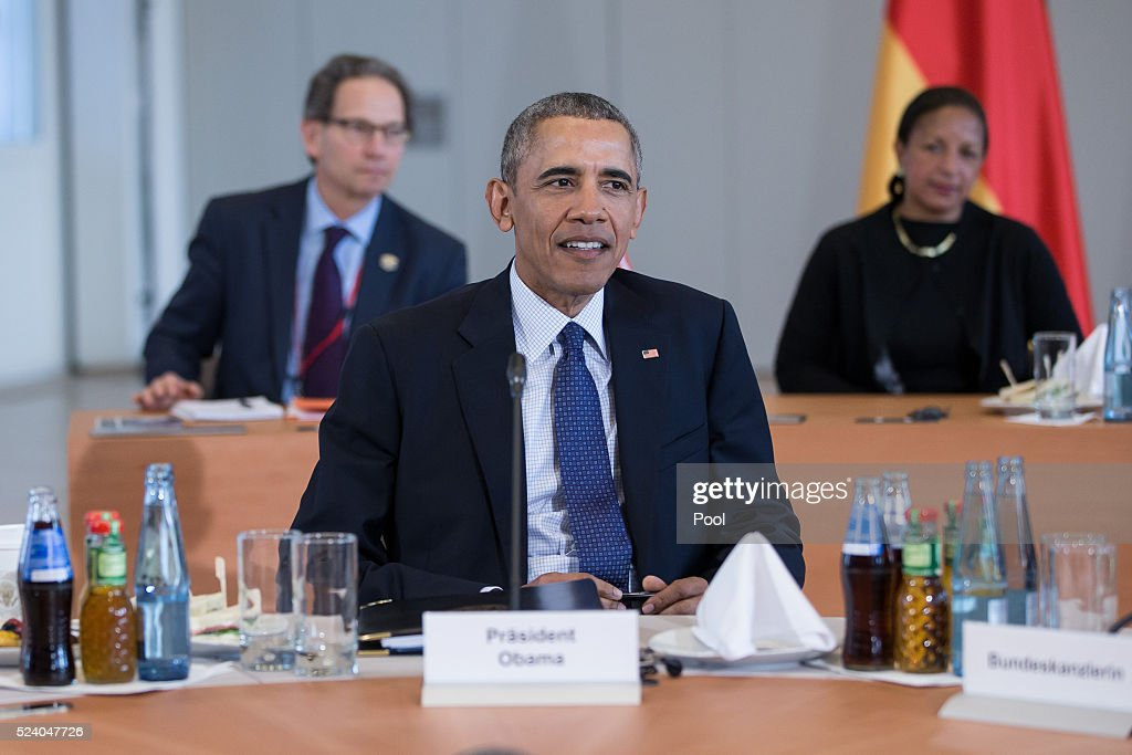 President Barack Obama meets with European leaders at Herrenhausen Palace on April 25, 2016 in Hanover, Germany. Obama is meeting David Cameron of Britain, Francois Hollande of France, Matteo Renzi of Italy and Angela Merkel of Germany.