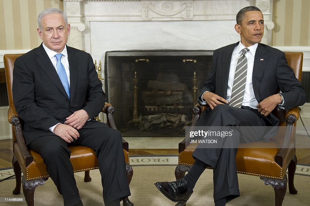 US President Barack Obama (R) meets with Israeli Prime Minister Benjamin Netanyahu in the Oval Office of the White House in Washington, DC, May 20, 2011. Obama announced on Thursday in his long-awaited speech on the 'Arab Spring' revolts that territorial lines in place before the 1967 Arab-Israeli war should be the basis for a peace deal, a move Netanyahu has long opposed. AFP PHOTO / Jim WATSON