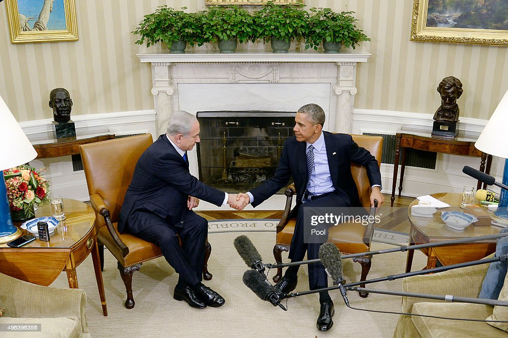 U.S President <a gi-track='captionPersonalityLinkClicked' href=/galleries/search?phrase=Barack+Obama&family=editorial&specificpeople=203260 ng-click='$event.stopPropagation()'>Barack Obama</a> (R) meets with Israeli Prime Minister <a gi-track='captionPersonalityLinkClicked' href=/galleries/search?phrase=Benjamin+Netanyahu&family=editorial&specificpeople=118594 ng-click='$event.stopPropagation()'>Benjamin Netanyahu</a> in the Oval Office of the White House November 9, 2015 in Washington, DC. This is President Obama and Israeli Prime Minister Netanyahu first meeting since relations deteriorated over a nuclear deal between world powers and Iran.