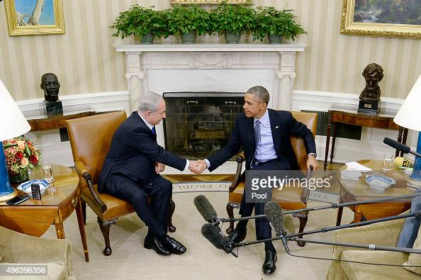 US President Barack Obama meets with Israeli Prime Minister Benjamin Netanyahu in the Oval Office of the White House November 9 2015 in Washington DC...
