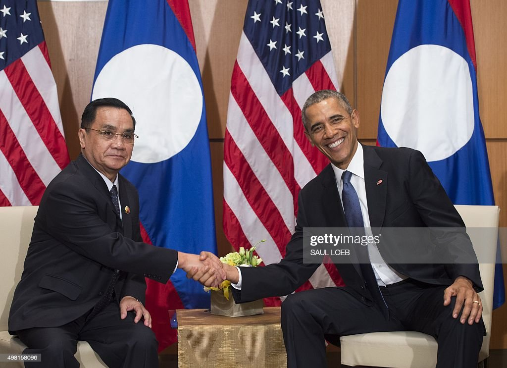 president-barack-obama-meets-with-laotian-prime-minister-thongsing-picture-id498158096?k=6&m=498158096&s=594x594&w=0&h=F5ReTCMfsKCJ3BMNEuidFyMbUEqCyYubhnV4dxTKbDc=