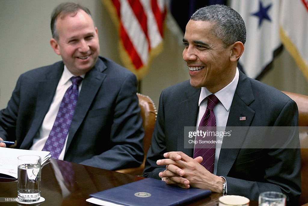 S President Barack Obama meets with members of the US Governors Association Executive Committee including Delaware Gov Jack Markell in the Roosevelt...