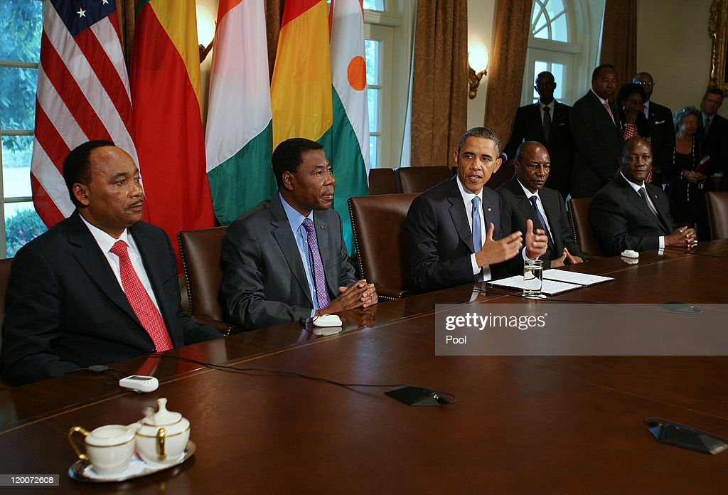 U.S. President <a gi-track='captionPersonalityLinkClicked' href=/galleries/search?phrase=Barack+Obama&family=editorial&specificpeople=203260 ng-click='$event.stopPropagation()'>Barack Obama</a> (C) meets with Presidents Mahamadou Issoufou (L) of Niger, Boni Yayi (2nd L) of Benin, Alpha Conde of Guinea (2nr R) and <a gi-track='captionPersonalityLinkClicked' href=/galleries/search?phrase=Alassane+Ouattara&family=editorial&specificpeople=697562 ng-click='$event.stopPropagation()'>Alassane Ouattara</a> of Ivory Coast in the Cabinet Room of the White House July 29, 2011 in Washington, DC. Obama is meeting with the leaders of the nascent democracies to discuss economic and regional issues.