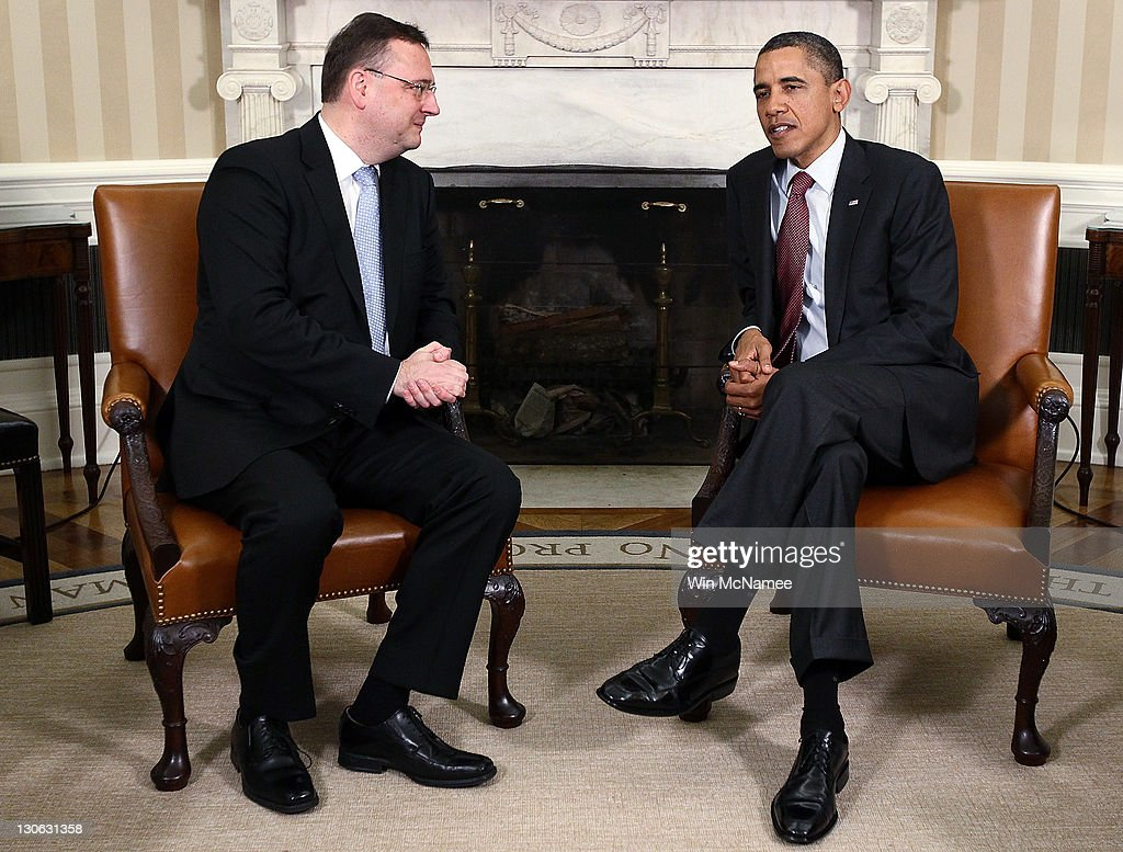 U.S. President <a gi-track='captionPersonalityLinkClicked' href=/galleries/search?phrase=Barack+Obama&family=editorial&specificpeople=203260 ng-click='$event.stopPropagation()'>Barack Obama</a> meets with Prime Minister <a gi-track='captionPersonalityLinkClicked' href=/galleries/search?phrase=Petr+Necas&family=editorial&specificpeople=3014277 ng-click='$event.stopPropagation()'>Petr Necas</a> of the Czech Republic in the Oval Office of the White House October 27, 2011 in Washington, DC. Necas and Obama were expected to discuss economic issues between the two nations during their meeting.